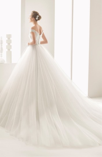 Rosa Clará Neira Off The Shoulder Lace and Tulle Gown Formal Wedding Dress Size 12 (L) Image 2