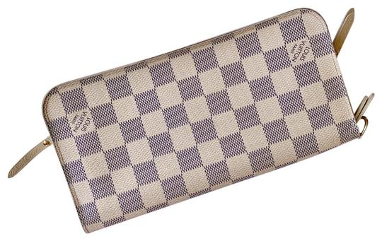 Preload https://img-static.tradesy.com/item/25952332/louis-vuitton-white-lv-damier-azur-insolite-wallet-0-3-540-540.jpg