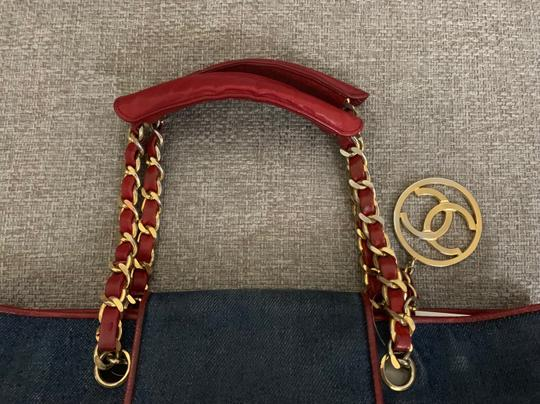 Chanel Tote in blue Image 6