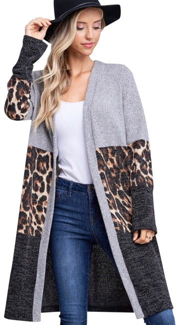 Preload https://img-static.tradesy.com/item/25952472/color-block-jacket-leopard-and-gray-sweater-0-3-650-650.jpg