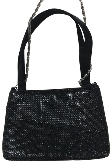 Preload https://img-static.tradesy.com/item/25952476/lord-and-taylor-has-a-chain-to-wear-over-shoulder-black-sequined-clutch-0-1-540-540.jpg