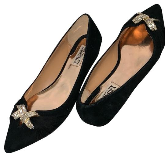 Preload https://img-static.tradesy.com/item/25952602/badgley-mischka-genuine-suede-swarovski-crystal-flats-size-us-8-regular-m-b-0-3-540-540.jpg
