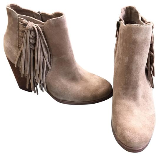 Preload https://img-static.tradesy.com/item/25952637/vince-camuto-mushroom-v-c-harlin-bootsbooties-size-us-95-regular-m-b-0-1-540-540.jpg