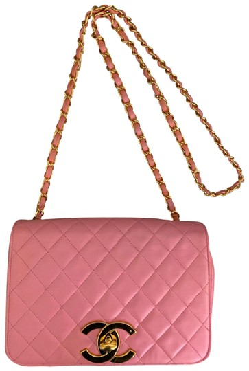 Preload https://img-static.tradesy.com/item/25952696/chanel-vintage-quilted-flap-pink-lambskin-leather-shoulder-bag-0-4-540-540.jpg