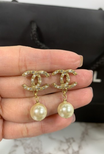 Chanel chanel cc logo crystals and pearls studded Image 1