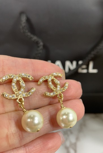 Chanel chanel cc logo crystals and pearls studded Image 2