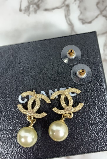 Chanel chanel cc logo crystals and pearls studded Image 4