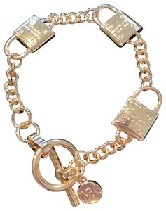 Michael Kors Toggle Bracelet gold-tone Locks Gold tone locks Toggle Bracelet