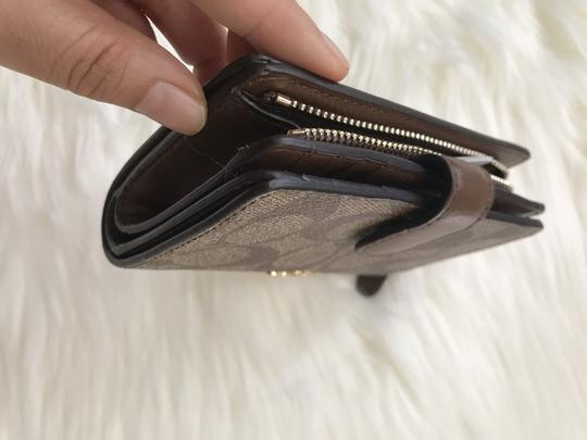 coach NWT Medium Corner Zip Wallet In Signature F23553 Image 5