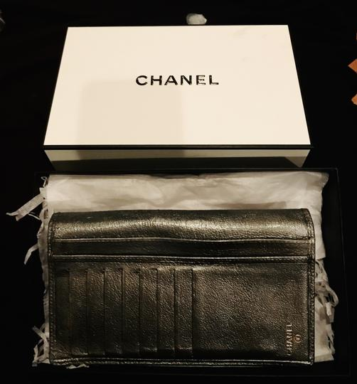 Chanel Pewter Clutch Image 4