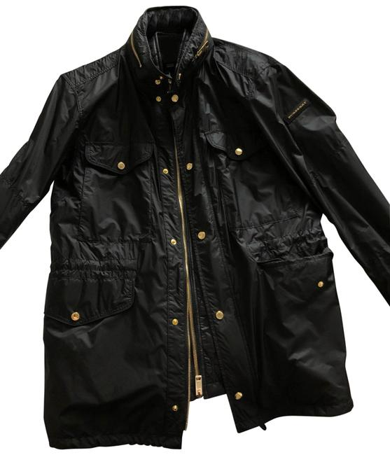 Preload https://img-static.tradesy.com/item/25953562/burberry-black-and-gold-men-s-rain-jacket-size-8-m-0-1-650-650.jpg