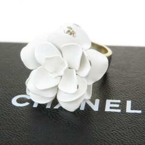 Chanel White Gold Cc Logo Camellia Gold-tone France Ring