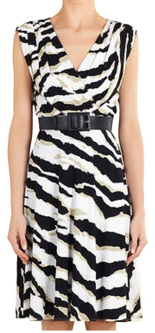 Item - Blk and White 805880931 Mid-length Cocktail Dress Size 2 (XS)