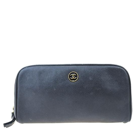 Preload https://img-static.tradesy.com/item/25955875/chanel-black-pouch-cc-leather-italy-vintage-cosmetic-bag-0-0-540-540.jpg