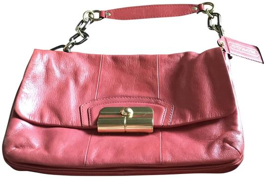 Preload https://img-static.tradesy.com/item/25955878/coach-kristin-chain-strap-pink-leather-shoulder-bag-0-2-540-540.jpg