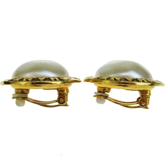 Chanel Auth CHANEL Logo Earrings Imitation Pearl Gold-tone Clip-On 28 Accesso Image 1