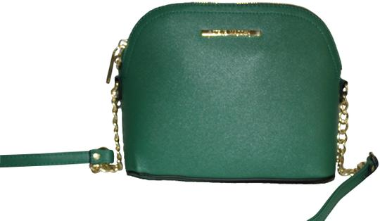 Preload https://img-static.tradesy.com/item/25956182/steve-madden-bmarilyn-purse-tote-green-gold-faux-leather-cross-body-bag-0-2-540-540.jpg
