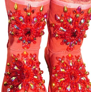 100% UGG AUSTRALIA BOOTS AUTHORS WORK SWAROVSKI CRYSTALS SIZE 9 EURO 40 Red Boots