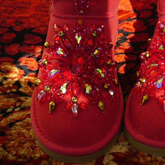 100% UGG AUSTRALIA BOOTS AUTHORS WORK SWAROVSKI CRYSTALS SIZE 9 EURO 40 Red Boots Image 1
