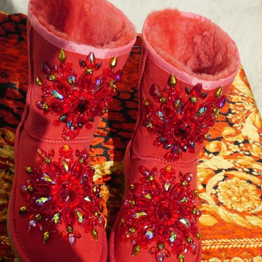 100% UGG AUSTRALIA BOOTS AUTHORS WORK SWAROVSKI CRYSTALS SIZE 9 EURO 40 Red Boots Image 3