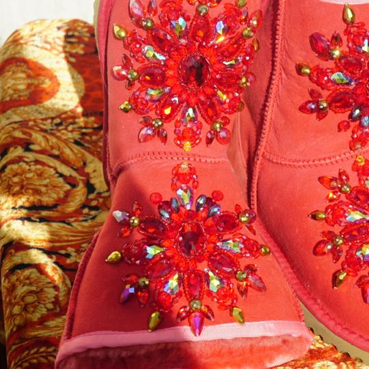 100% UGG AUSTRALIA BOOTS AUTHORS WORK SWAROVSKI CRYSTALS SIZE 9 EURO 40 Red Boots Image 6