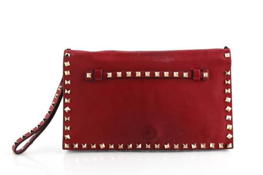 Preload https://img-static.tradesy.com/item/25956231/valentino-rockstud-wristlet-red-calfskin-leather-clutch-0-1-540-540.jpg