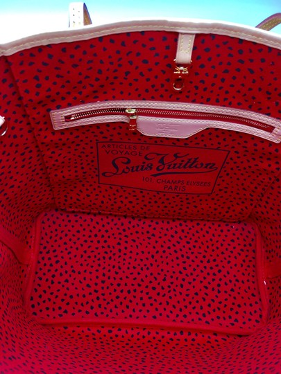 Louis Vuitton Tote Image 5