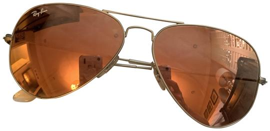 Preload https://img-static.tradesy.com/item/25956443/ray-ban-pink-and-silver-aviator-style-mirrored-lens-sunglasses-0-1-540-540.jpg