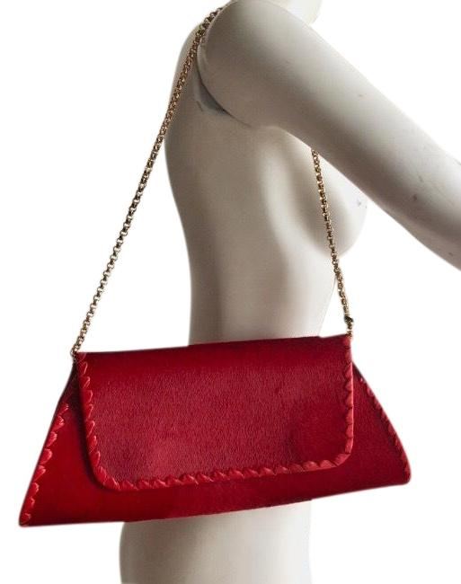 Item - Luxurious Red Unknown Cross Body Bag
