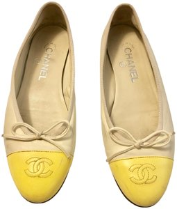 Chanel Leather 38 White and Yellow Flats