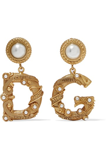 Preload https://img-static.tradesy.com/item/25956793/dolce-and-gabbana-dolce-and-gabbana-gold-tone-faux-pearl-earrings-0-0-540-540.jpg
