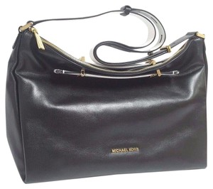 Michael Kors Chelsey Large Leather Shoulder Bag