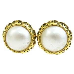 Chanel Gold Cc Imitation Pearl Clip-on 94p Earrings