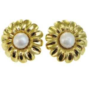 Chanel Gold Flower Imitation Pearl Clip-on Earrings