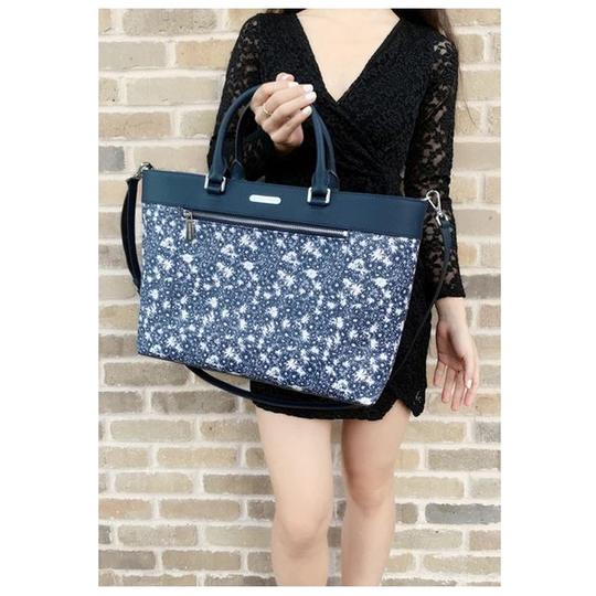 Michael Kors Womens Tote in Navy Floral Image 2