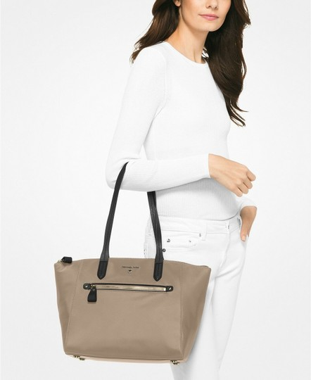 Michael Kors Tote in Truffle/Gold Image 2