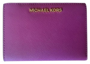 Michael Kors Jet Set Travel Carryall Medium Wallet & Card Case