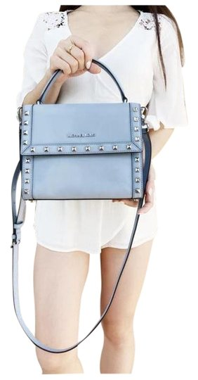Preload https://img-static.tradesy.com/item/25957604/michael-kors-dillon-studded-medium-top-handle-pale-blue-saffiano-leather-messenger-bag-0-1-540-540.jpg