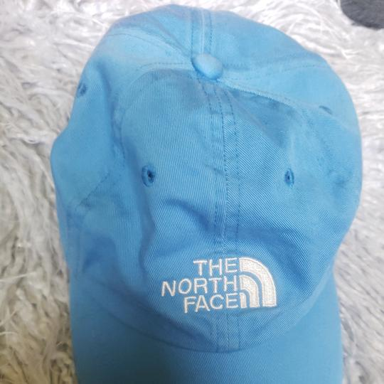 Preload https://item1.tradesy.com/images/the-north-face-blue-66-classic-baseball-hat-25957655-0-0.jpg?width=440&height=440