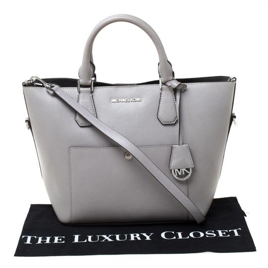 Michael Kors Leather Tote in Grey Image 11