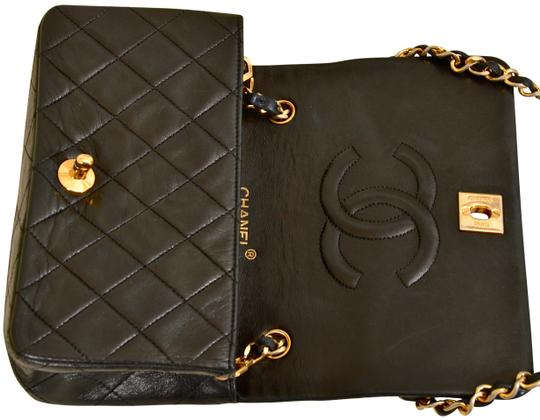 Chanel Quilted Lambskin Single Shoulder Bag Image 7