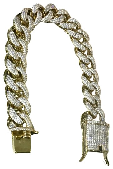 Preload https://img-static.tradesy.com/item/25957832/gold-vvs-diamond-zirconia-15mm-14kt-miami-cuban-bracelet-0-3-540-540.jpg