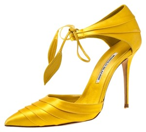 Manolo Blahnik Pleated Satin Pointed Toe Ankle Tie Yellow Sandals