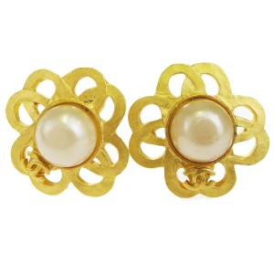 Chanel Gold Cc Clip-on Imitation Pearl Gold-tone 96p Vintage Earrings