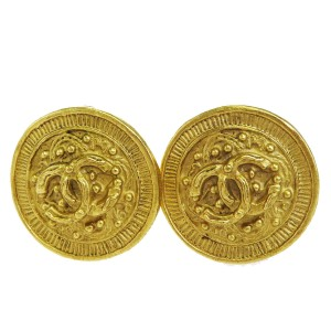 Chanel Gold Cc Logo Button Gold-tone Clip-on France 94a Vintage Earrings