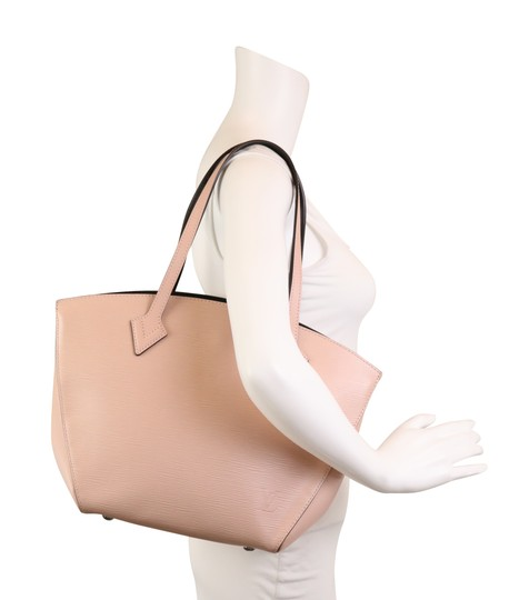 Louis Vuitton Tote in pink Image 10