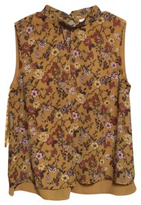 Harlyn Sleeveless Swing Top Yellow floral pattern