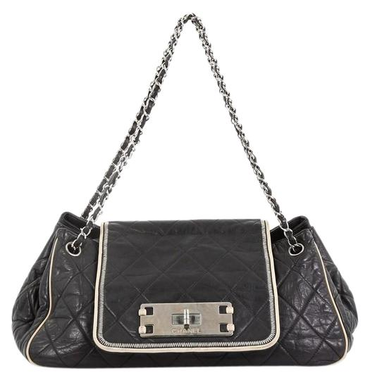 Preload https://img-static.tradesy.com/item/25959896/chanel-classic-flap-mademoiselle-east-west-accordion-quilted-medium-black-lambskin-leather-shoulder-0-2-540-540.jpg