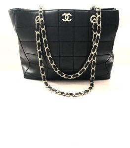 Chanel Lambskin Cc Tote in Black/Gold
