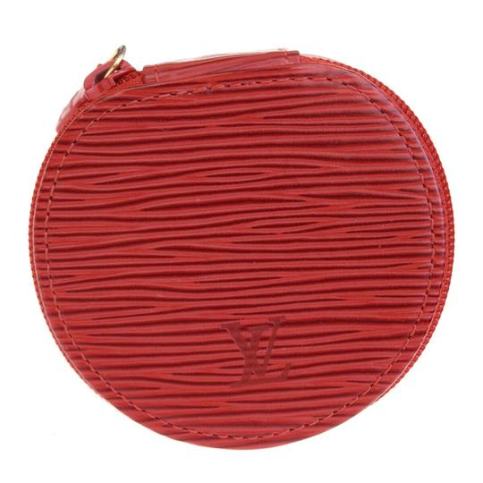 Preload https://img-static.tradesy.com/item/25961025/chanel-red-louis-vuitton-ecrin-bijou-jewelry-case-leather-cosmetic-bag-0-0-540-540.jpg
